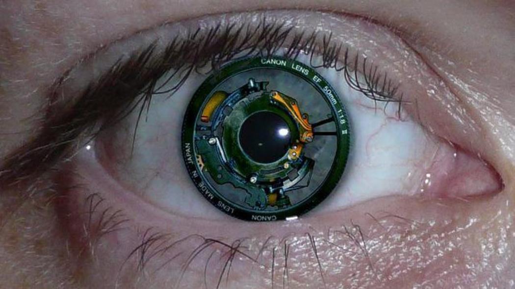 Photo of Sony annuncia le prime lenti a contatto che registrano video e foto, altro che selfie!