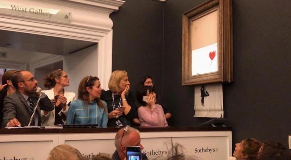 Photo of Banksy: l'opera da oltre 1 Milione si autodistrugge dopo essere stata venduta.