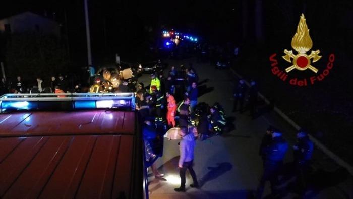 Photo of Strage al concerto di Sfera Ebbasta ad Ancona: 6 morti e decine di feriti.